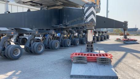 Movimentazione materiale presso il porto di Ravenna